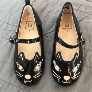 "Gap ""cat"" Black Patin Leather Shoe Girls 8"